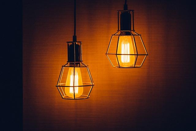 Giv boligen stemning og stil med loftslamper