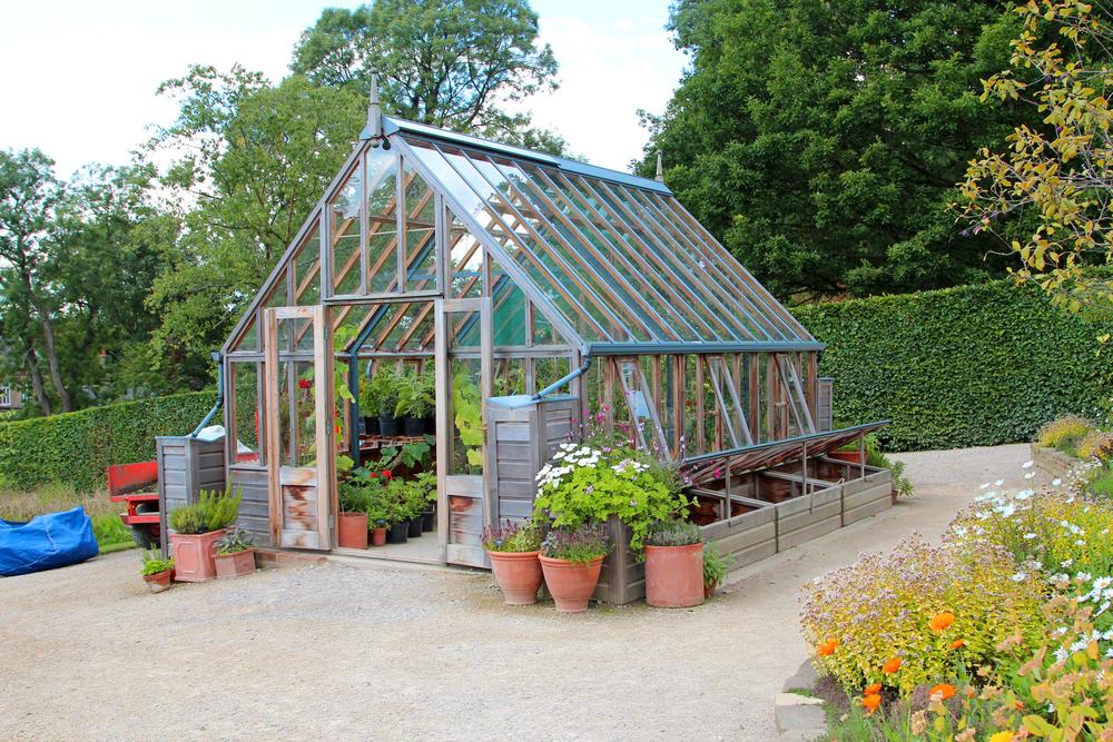 Gør dit drivhus klar til foråret